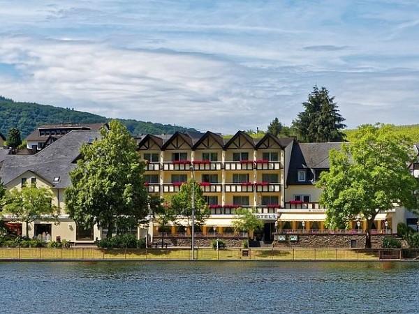 Moselstern-Hotel & Gästehaus 'Weinhaus Fuhrmann' - 4 Nächte