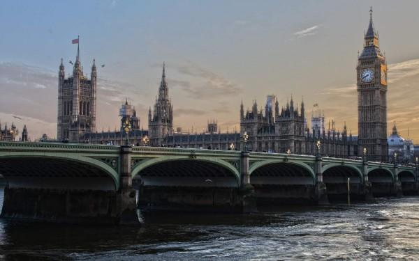Hilton Canary Wharf - Singlereise nach London