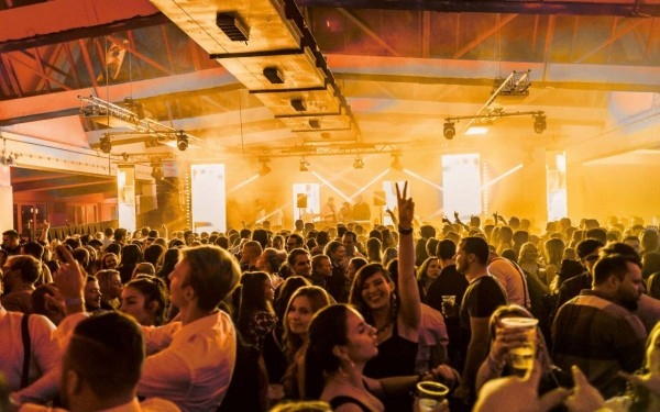 Alte Wollkämmerei: Sil Festival - VIP
